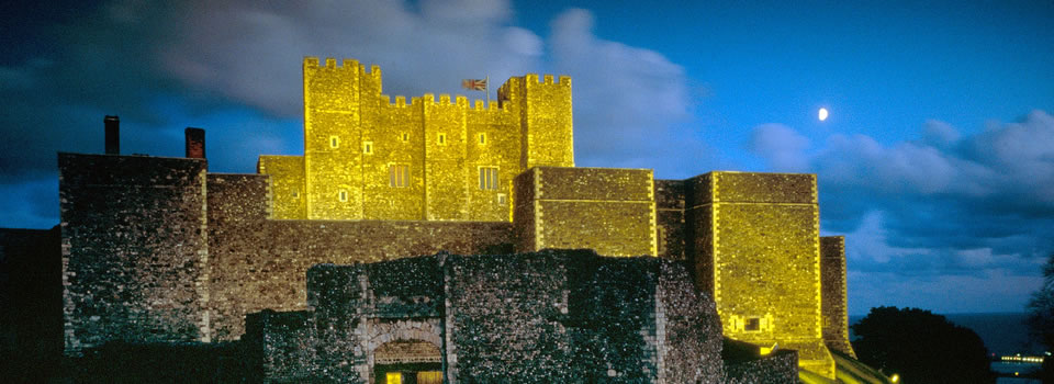 dover-castle-at-night